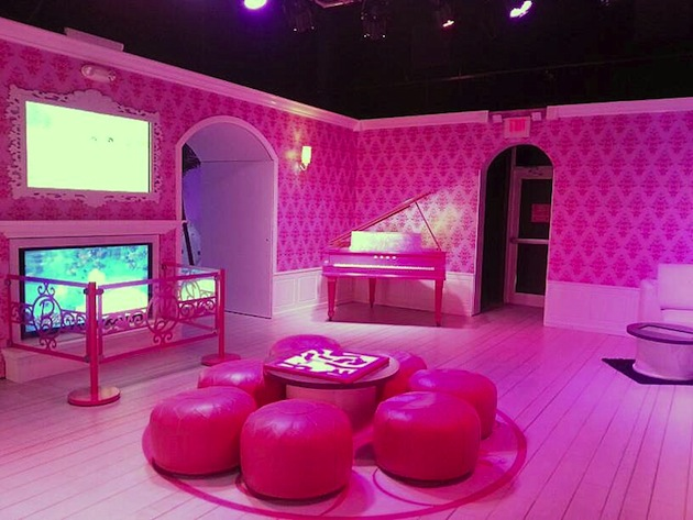 barbie lounge